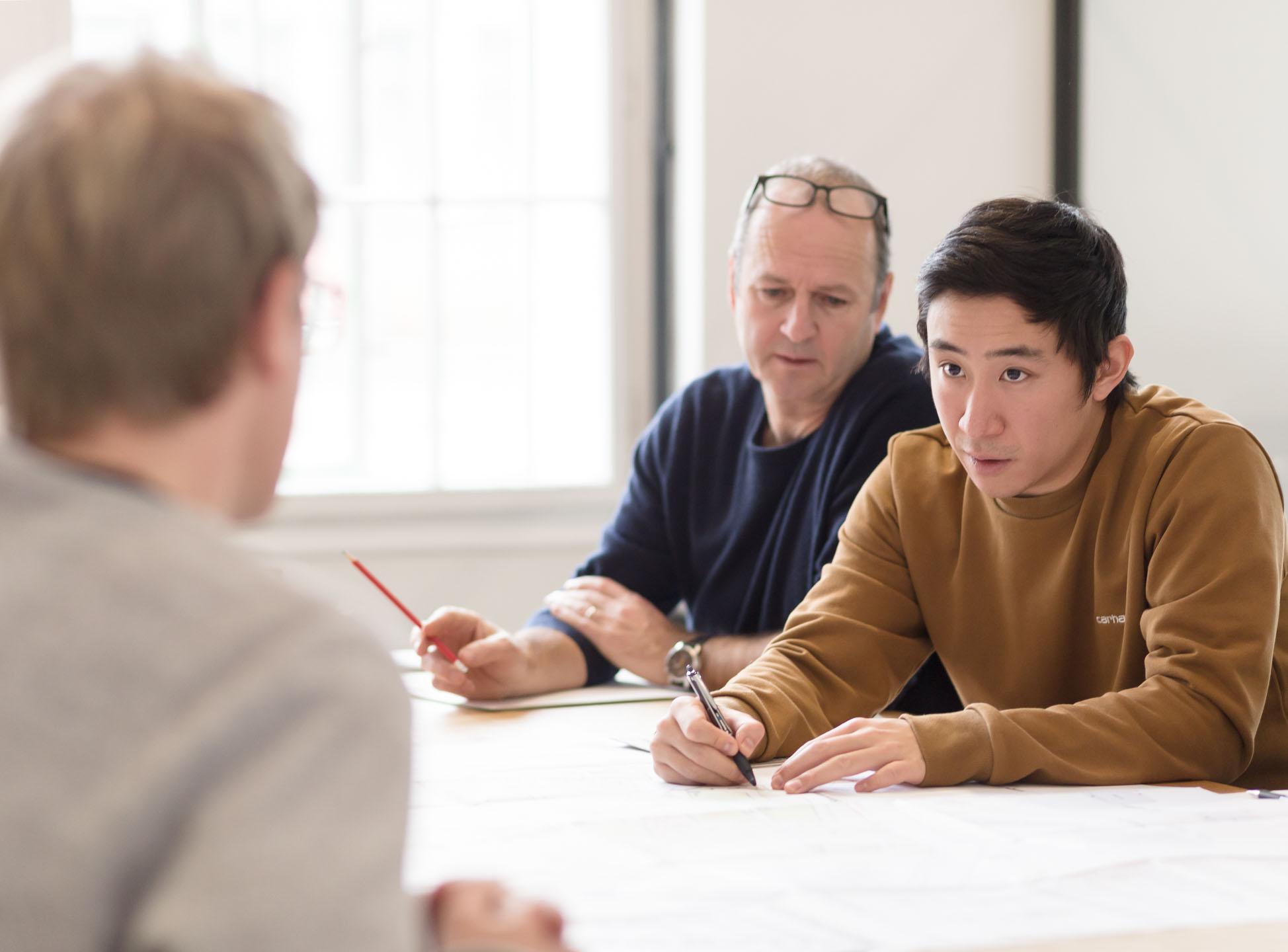 Foto einer Besprechung in einem Architekturbüro