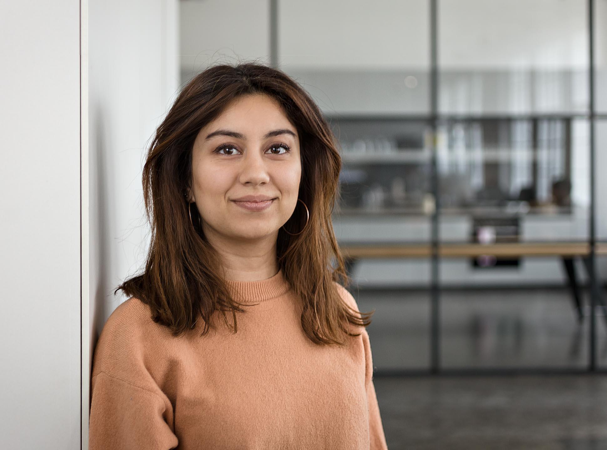 Businessportrait einer Frau im Büro