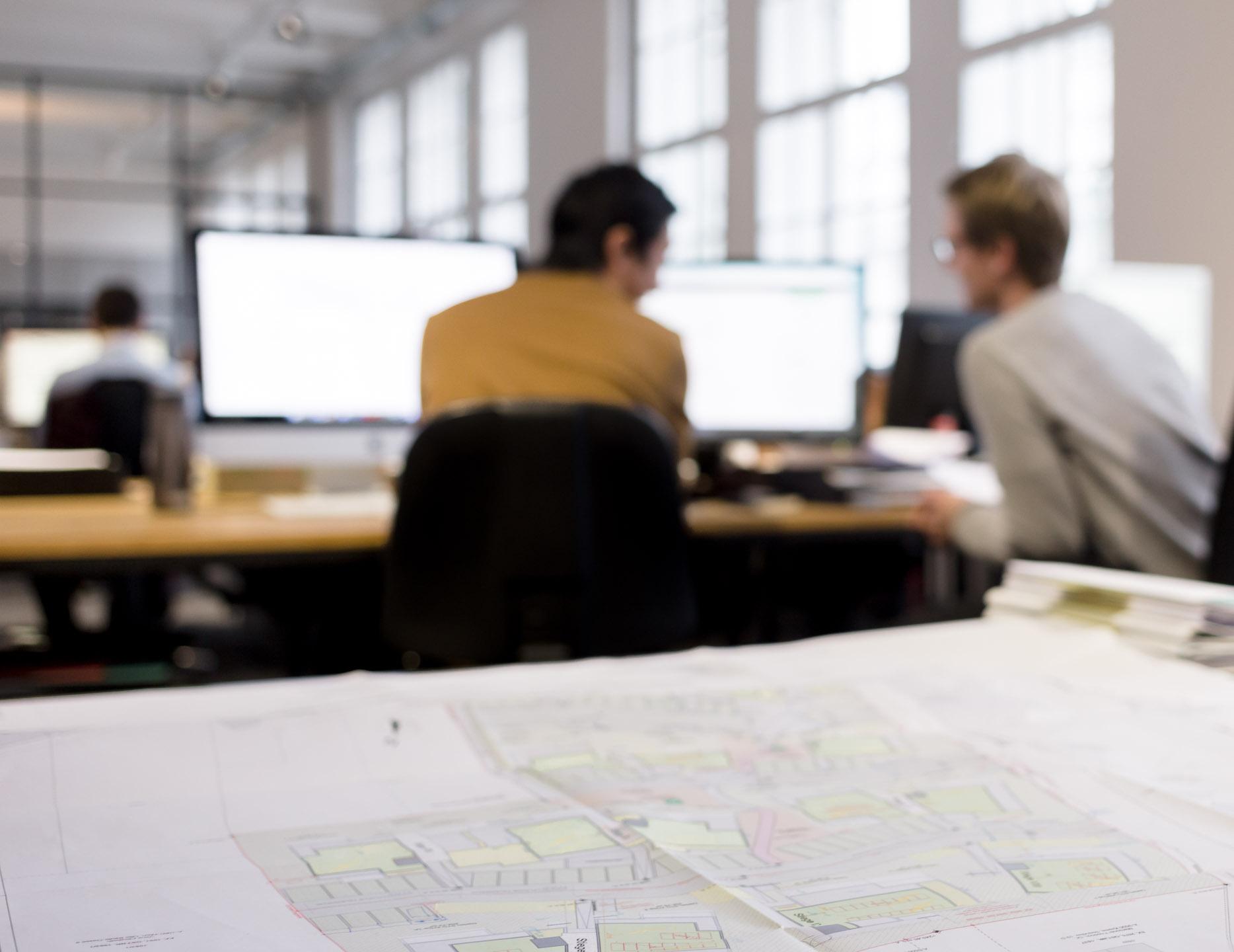 Foto von einem Plan in Architekturbüro